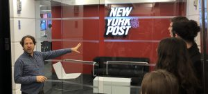 Warren Cohen of the New York Post and Hunter Journalism students.