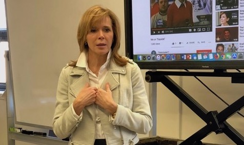 Former NBC News and Fox News anchor Linda Vester offered her coaching services to Reporting and Writing 2 students in Prof. Sissel McCarthy's class on March 14