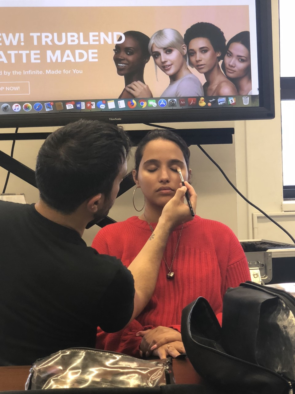 Students get makeup training